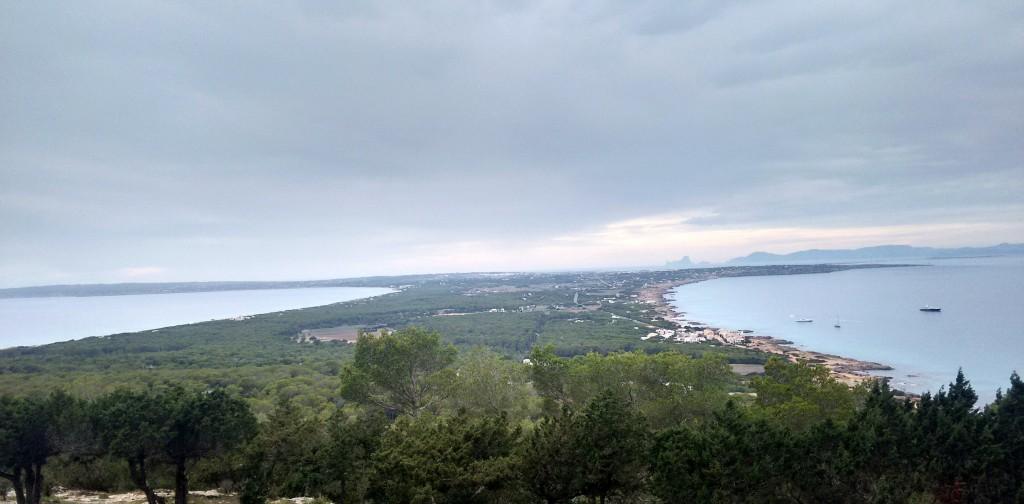 Vista desde el mirador en el kilómetro 14.3 de la carretera de La Mola