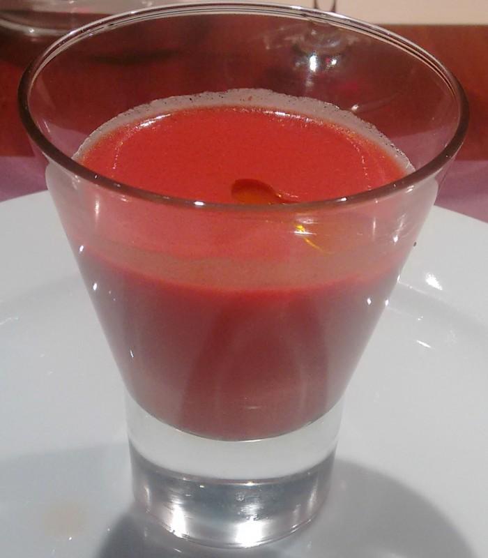 Sopa fría de tomate y remolacha